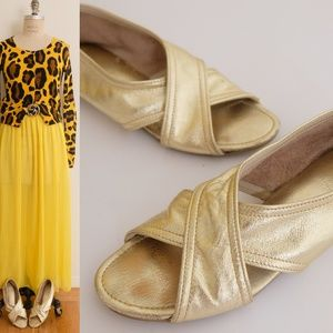 Vintage gold real leather flat sandal shoesl 7 1/